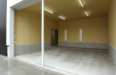 完全自由設計!インナーガレージ付き、事務所併用のシンプルデザイン住宅