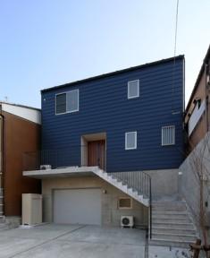 木造とRCの混構造の住宅です。